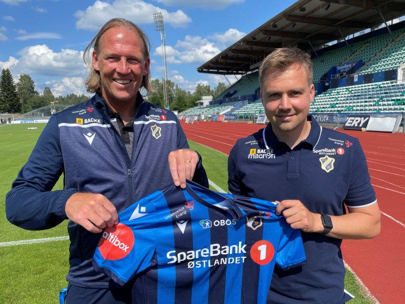 Sportssjef Torgeir Bjarmann sammen med Stabæks nye hovedtrener, Eirik Kjønø.